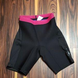 Ski Warm Ladies WetSuit Shorts Size Small